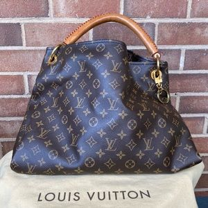 Louis Vuitton Monogram Artsy MM Hobo